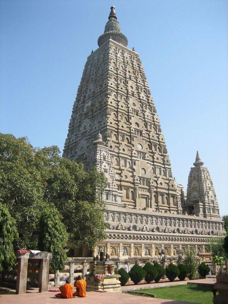 仏教4大聖地ブッダガヤのマハーボーディー寺院